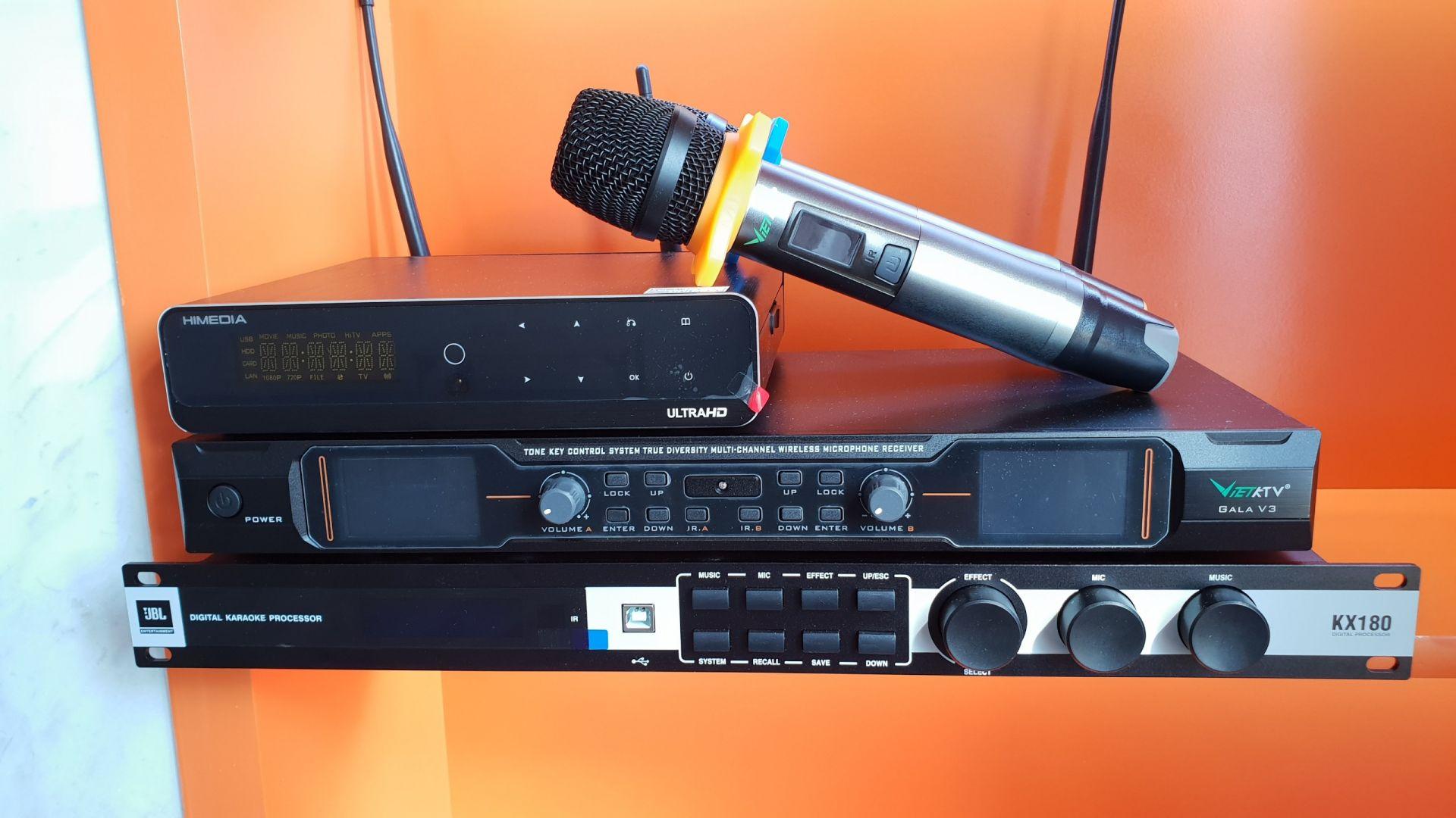 Đầu karaoke Himedia Q10 Pro trong bộ dàn TVAP 05