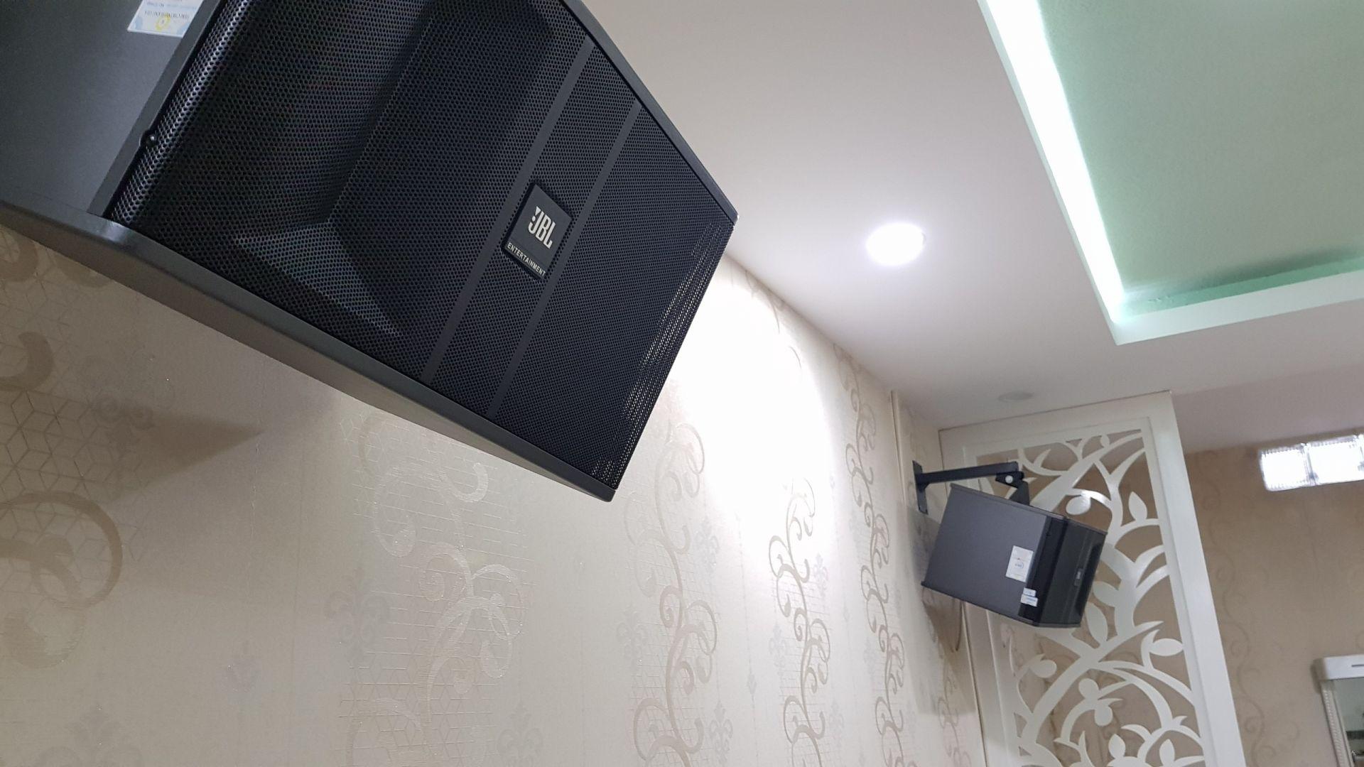 Loa JBL bộ dàn karaoke TVAP06 cận cảnh